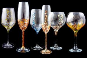 Juego de copas de cristal pintadas y decoradas a mano